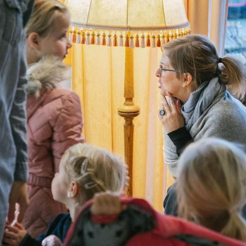 Generationen verbinden mit dem Programm in der Guten Stube Andelsbuch.