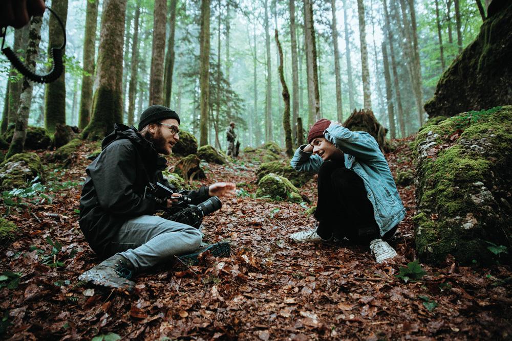 Thomas Stanglechner und Niklas Hugo Schwärzler produzieren Film. Die Gute Stube ist das Zuhause ihres Coworking-Büros.