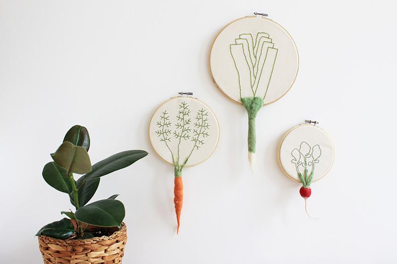 Mache deine eigenen Wandbilder und lerne Filzen. Filz Workshop mit Sarah Halbeisen in der Guten Stube Andelsbuch. Gemüse für die Wand.